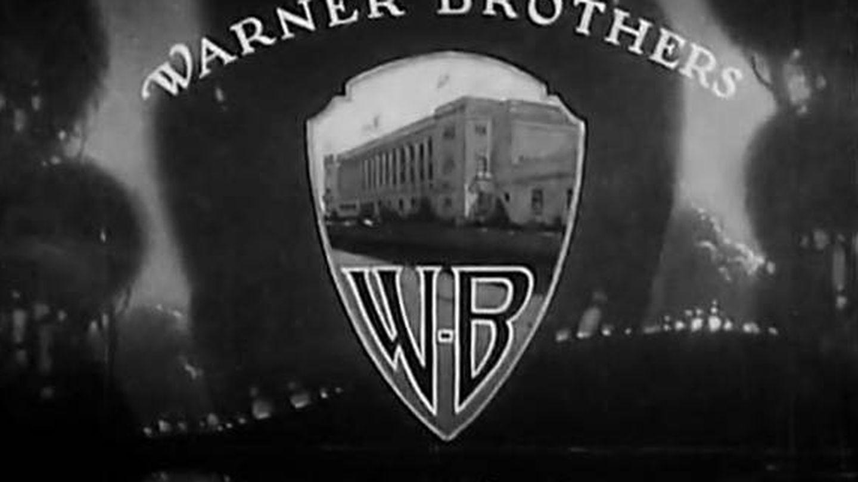 Captura de pantalla con el logo de la compañía y el cine al fondo.