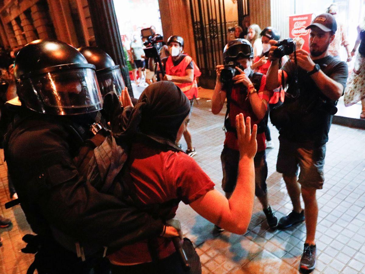 Foto: Altercados durante la Diada. (Reuters)