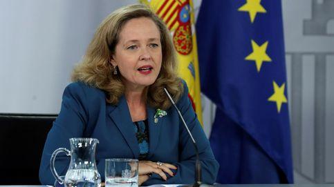 Calviño encuentra interés en Bruselas por la fusión Caixabank-Bankia