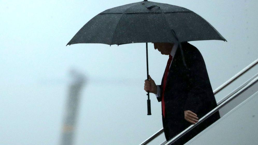 Foto: Donald Trump desciende del avión presidencial en la base aérea de Maryland, julio de 2017. (Efe)
