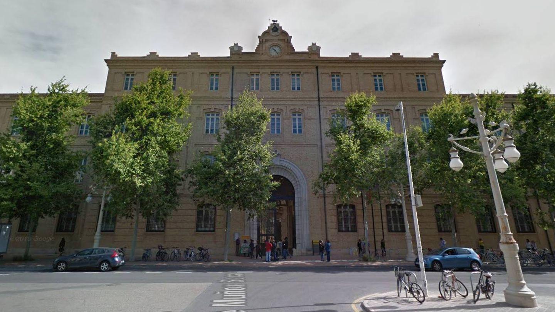 El edificio Tabacalera cuya permuta y recalificación de 2005 fue anulada y ahora quiere legalizar el ayuntamiento. (Gogle Maps)