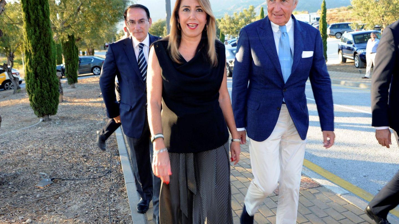 Susana Díaz, junto Ricardo Arranz durante la colocación de la primera piedra del Four Seasons en Marbella. (EFE)