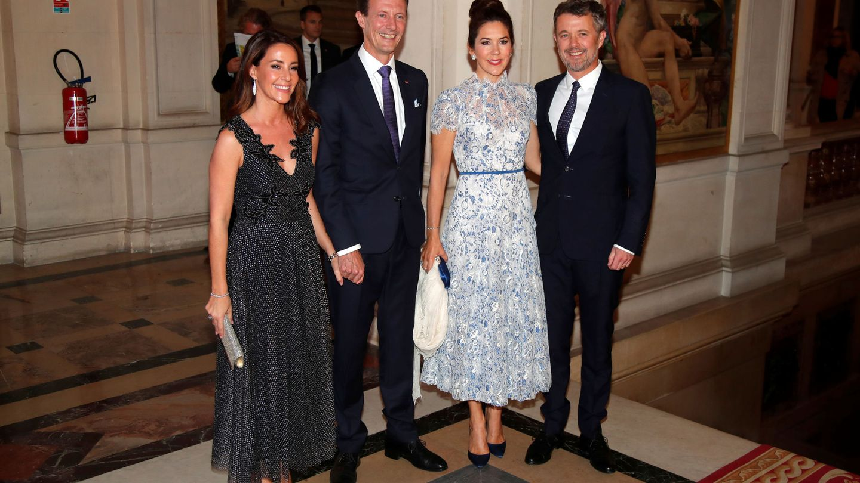 Federico y Mary de Dinamarca junto a Joaquín y Marie. (REUTERS)