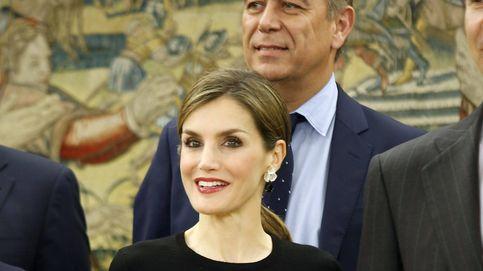 Doña Letizia da la bienvenida al mes de junio con un look de lo más invernal