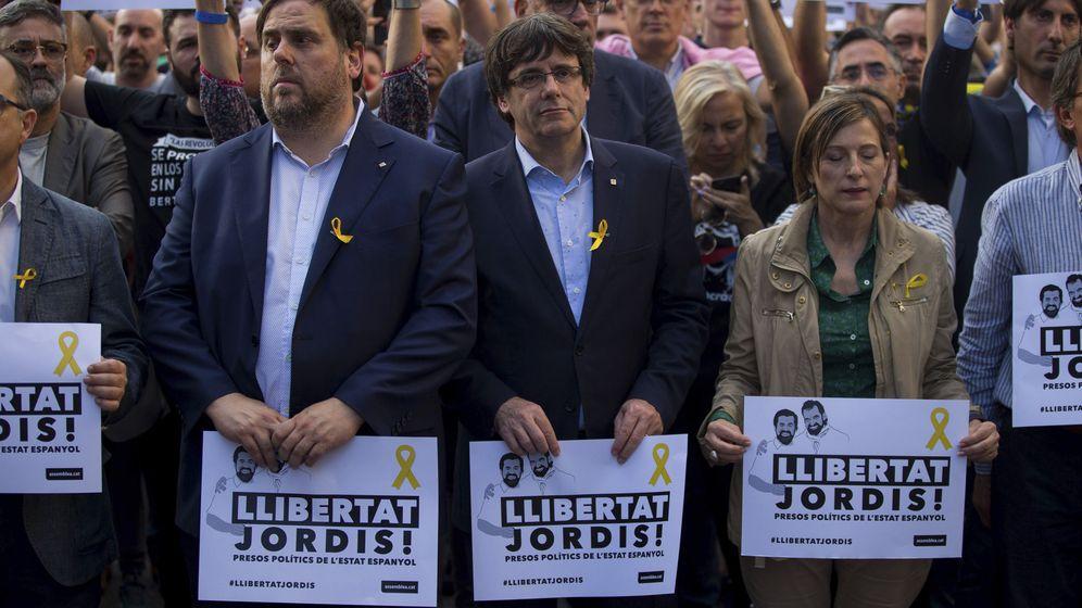 Foto: El president y Junqueras piden la libertad de los 'Jordis'
