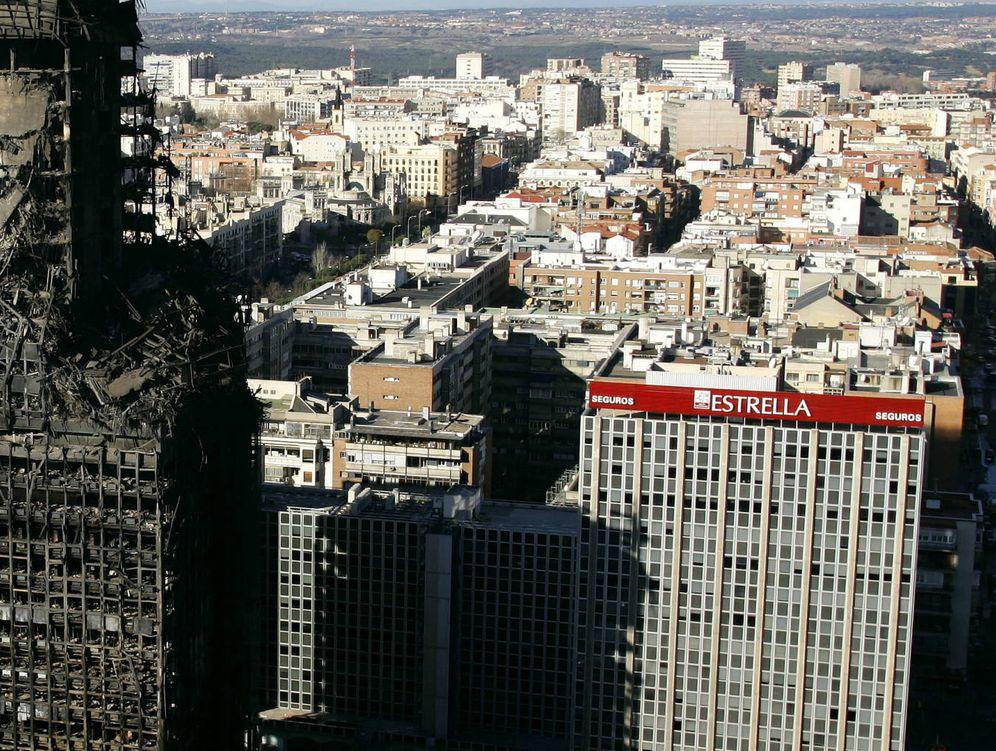 Foto: El edificio Windsor, un día después del incendio. (Reuters)