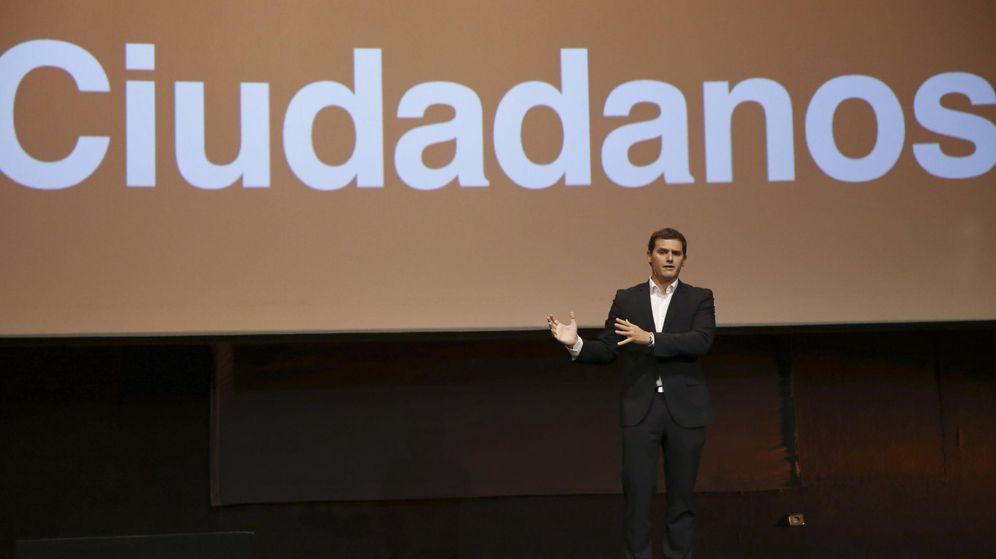 Foto: Albert Rivera durante la presentación del programa de Ciudadanos en Madrid (EFE)