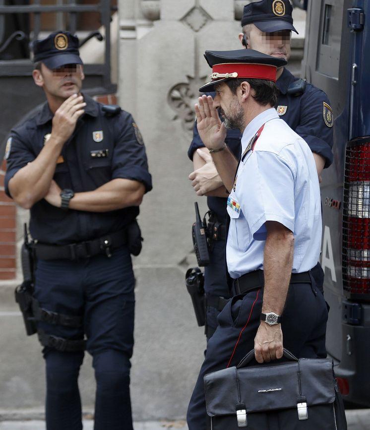 Foto: Reunión policial en Barcelona. (EFE)