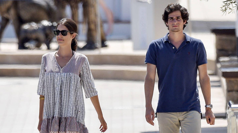 Sofía Palazuelo y el duque de Huéscar, en Ibiza. (Getty)