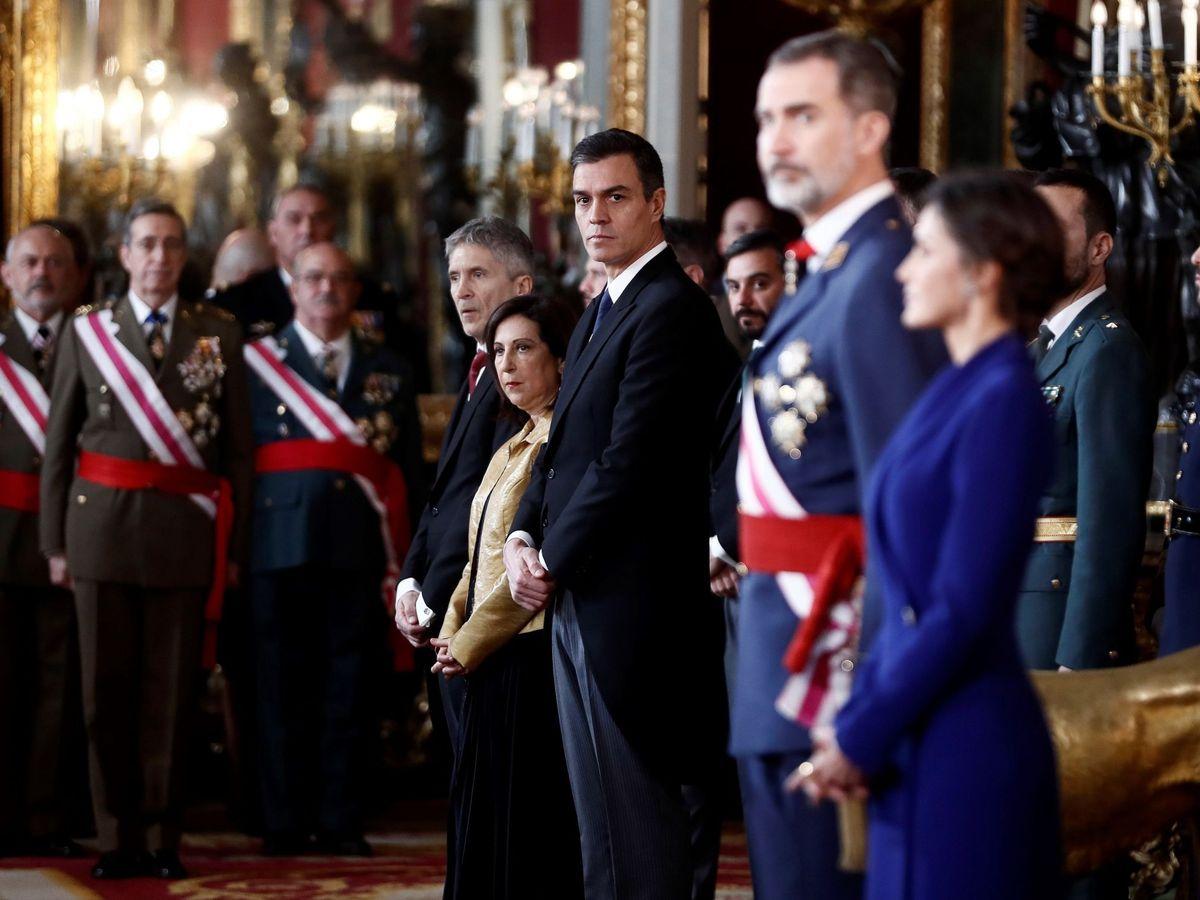 Foto: Felipe VI y Pedro Sánchez, en la Pascua Militar. (EFE)