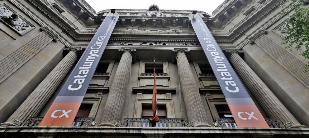 Foto: Fachada de la sede en Barcelona de Catalunya Banc (Efe)