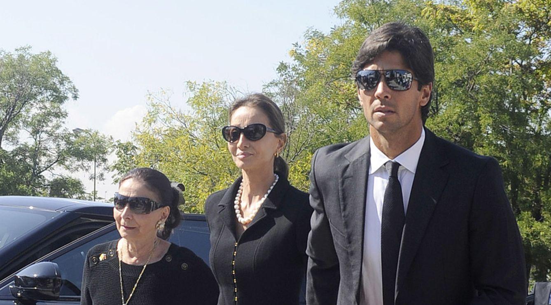 Foto: Familiares y amigos acuden al entierro de Miguel Boyer
