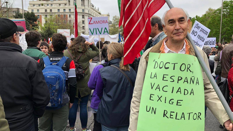 Un participante en la manifestación en Madrid. (B. R.)