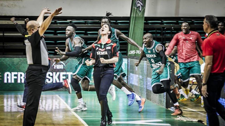 La entrenadora Mills celebra la clasificación del equipo para el Afrobasket. (@Kenyamorons) (