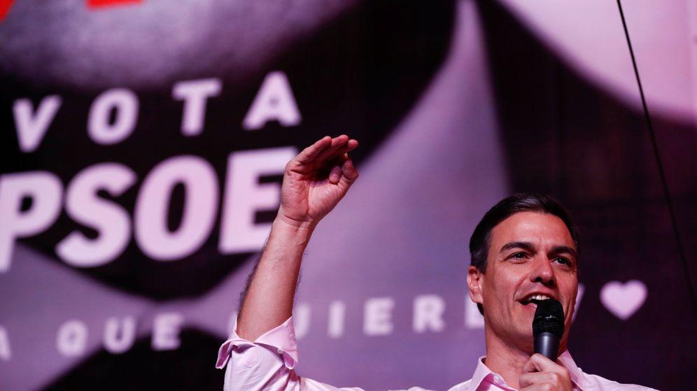 Foto: El presidente del Gobierno, Pedro Sánchez, celebra la victoria en las elecciones generales. (Reuters)
