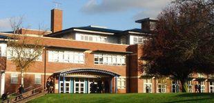 Post de Hallan cocaína en la prestigiosa escuela británica en la que estudió el actor de 'Borat'