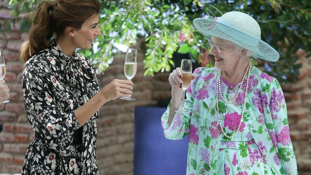 Foto: La reina Margarita de Dinamarca con Juliana Awada. (EFE)