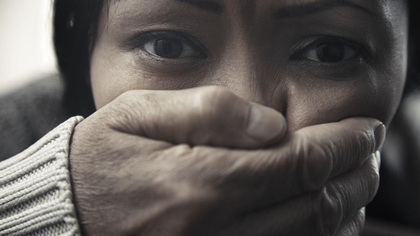 Foto: El miedo invade a millones de mujeres en el mundo, y es por su culpa. (Corbis)