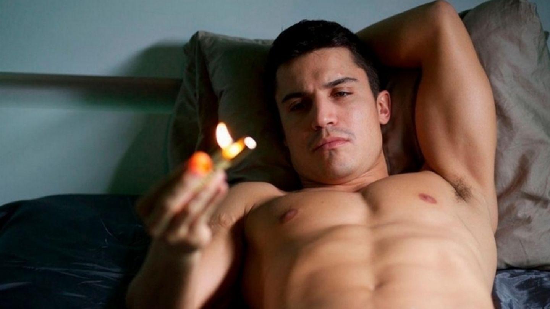 El actor Álex González en una imagen de la película 'Combustión'