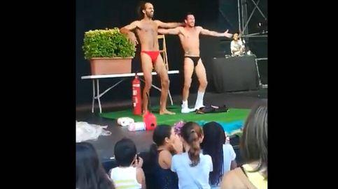 Doble striptease en un espectáculo para todos los públicos en fiestas de Barcelona