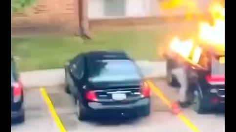 Quema el coche de su novio, le explota en la cara y termina detenida