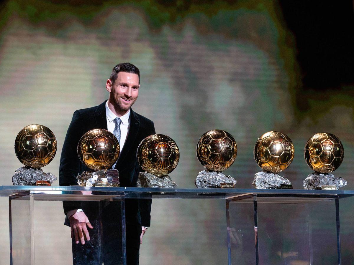 Foto: Leo Messi posa en la gala con sus seis balones de oro. (Cordon Press)