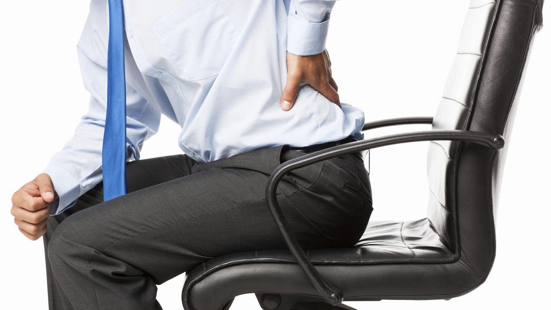 Foto: Que sí, que vale. Culpa al sedentarismo y a tu larga jornada laboral. Pero deja de lamentarte y ponle remedio, hombre ya (iStock)