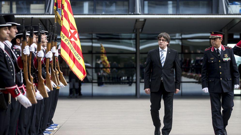 Foto: Fotografía de archivo de Carles Puigdemont y Josep Lluis Trapero. (EFE)
