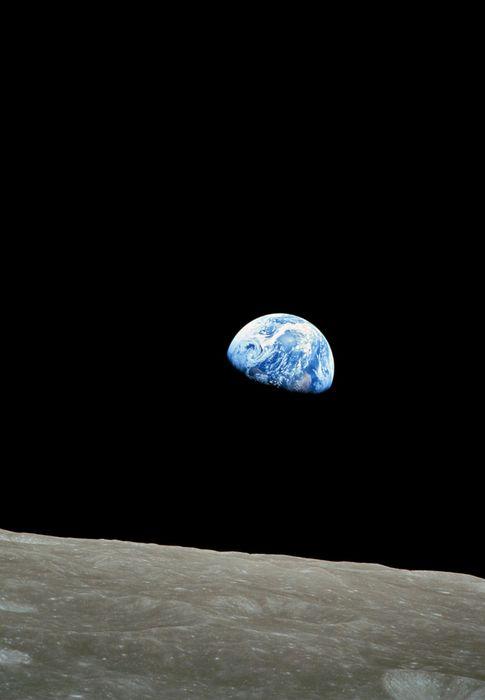 Foto: Una foto de la NASA de 1968 muestra la Tierra sobre el horizonte der la luna (NASA).