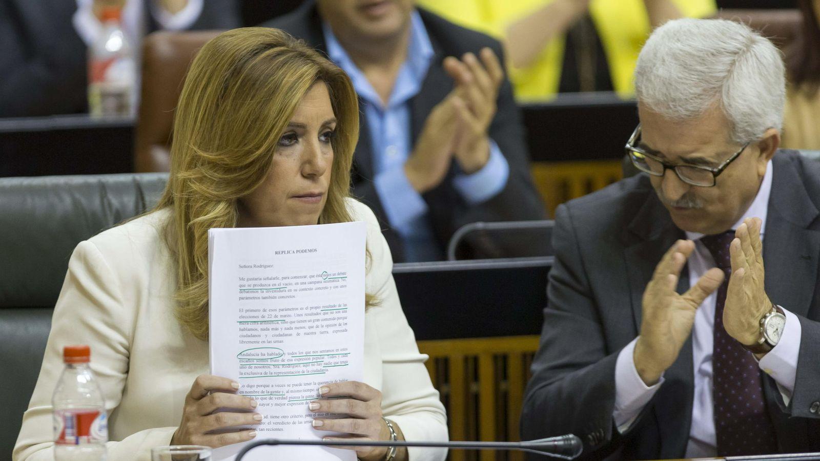 Foto: Susana Díaz y el consejero de presidencia en funciones, Manuel Jiménez Barrios. (Efe)