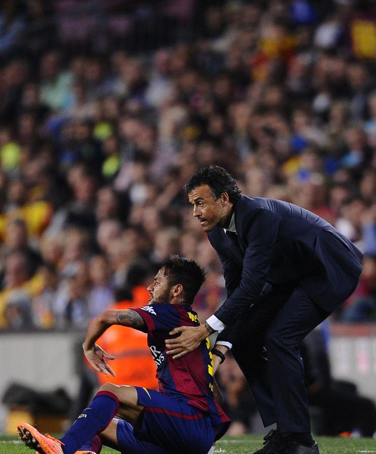 Foto: Luis Enrique junto a Neymar en un partido (AP)