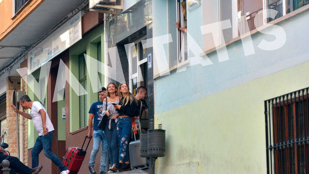 Fotos exclusivas: Laura Escanes se saca el carnet de conducir en Cuenca
