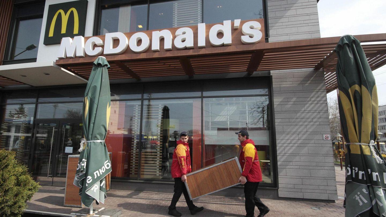 Cierre de un McDonald's en Simferopol, en Abril de 2014 (REUTERS).