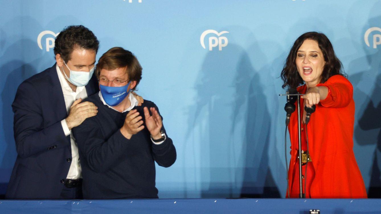 La guerra en el PP de Madrid se recrudece y amenaza con aislar a la dirección de Casado