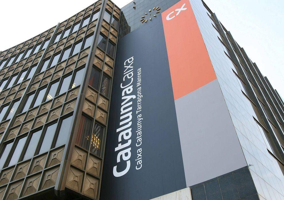 Foto: Fachada de la sede central en Barcelona de Catalunya Caixa. (Efe)
