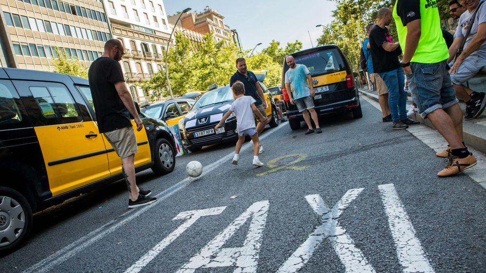 Foto: Huelga de taxis en Barcelona el pasado 30 de julio. (EFE)