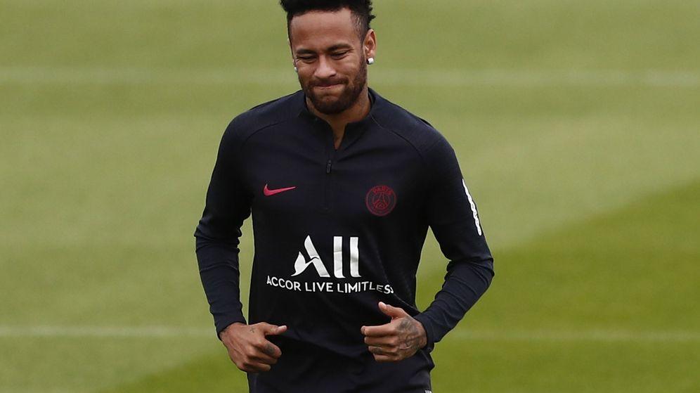 Foto: Neymar entrena en solitario en las instalaciones del Paris Saint-Germain. (EFE)
