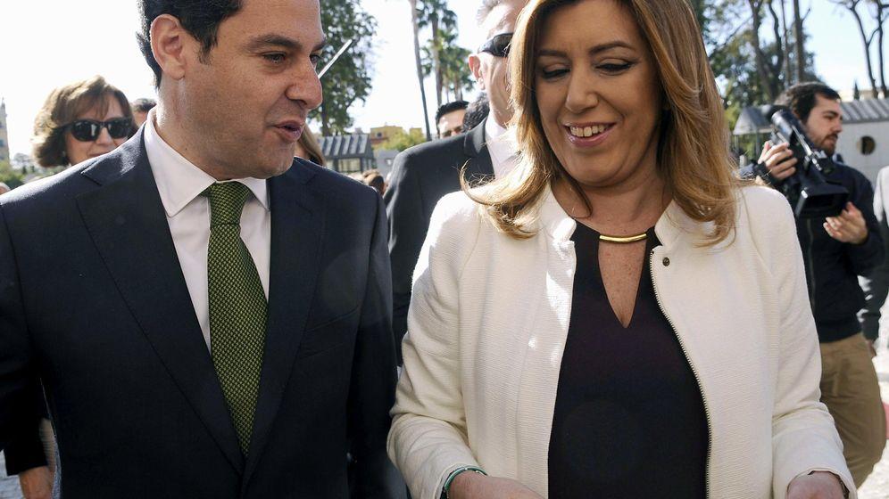 Foto: La presidenta en funciones de la Junta de Andalucía, Susana Díaz, y Juanma Moreno Bonilla, del PP. (Efe)