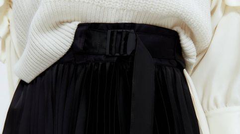 La original falda plisada con la que Uterqüe quiere que abracemos la tendencia bicolor