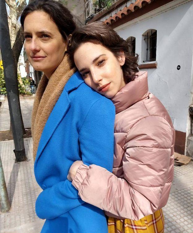Foto:  La directora, con Vera Spinetta, protagonista de la película. (Instagram)