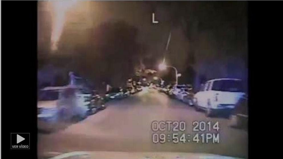 Difunden un vídeo en el que un policía blanco dispara 16 veces a un negro