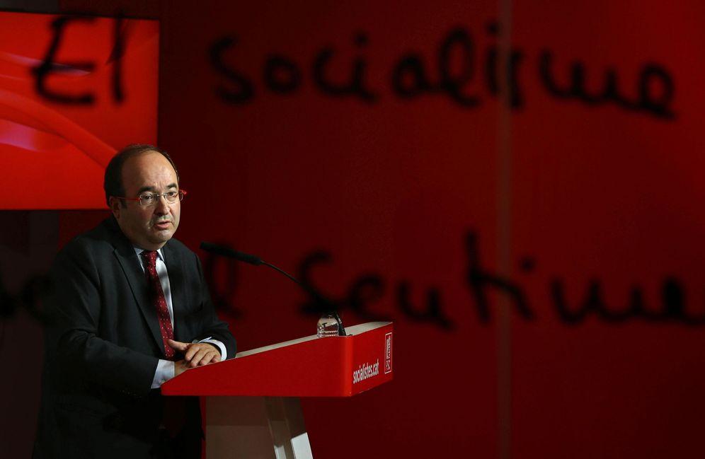 Foto: Miquel Iceta, durante la rueda de prensa posterior a la reunión de su ejecutiva, este 17 de octubre en Barcelona. (EFE)