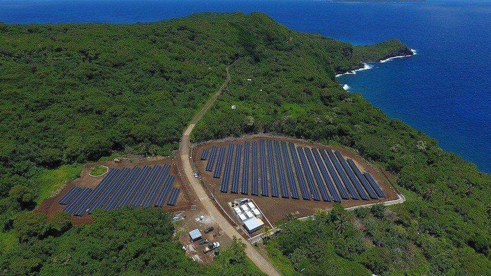 Foto: La instalación de Tesla es capaz de mantener abastecida la isla durante tres días sin sol.