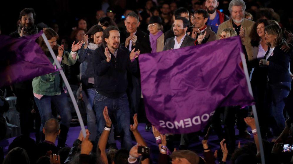Foto: El secretario general de Podemos, Pablo Iglesias (c), durante el acto con el que el partido inició su campaña electoral. (EFE)
