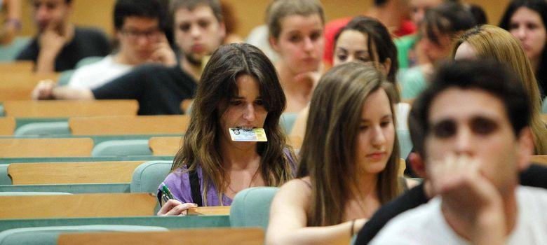 Foto: Los jóvenes creen que la educación es la mejor herramienta para mejorar su situación. (Efe/Marta Pérez)