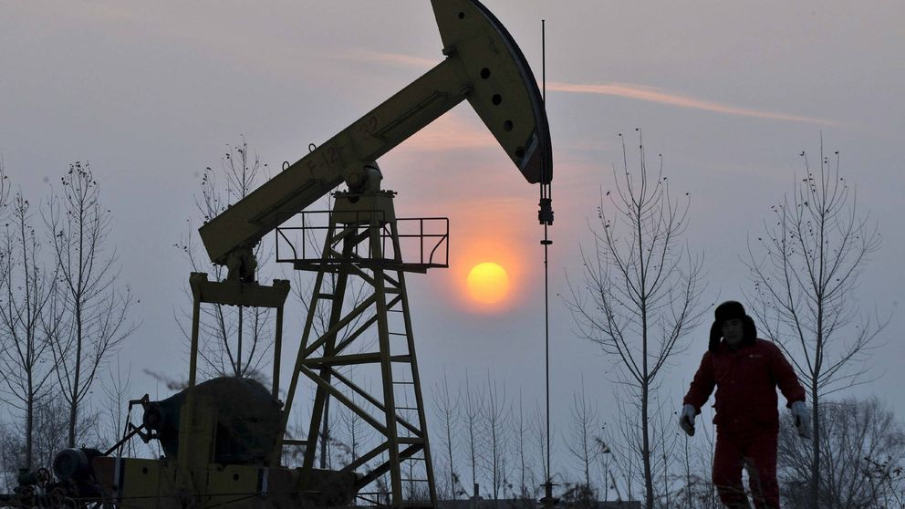 El coronavirus atropella al petróleo: caídas de doble dígito en enero (también Repsol)