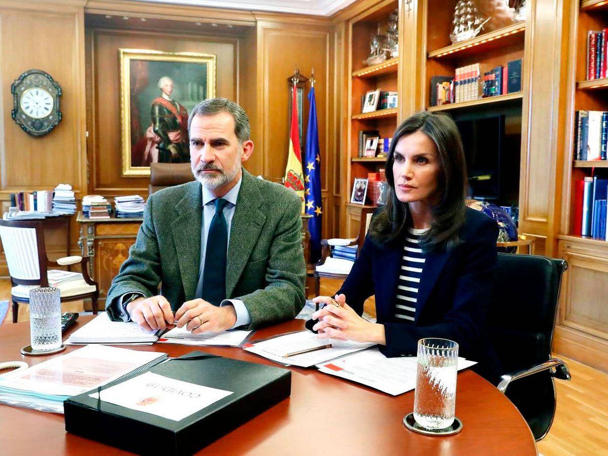 Foto: Los Reyes, durante una videoconferencia con el presidente de Mercadona. (Casa Real)