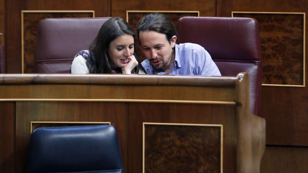 Foto: El líder de Podemos, Pablo Iglesias, y la portavoz en el Congreso de la formación, Irene Montero. (EFE)