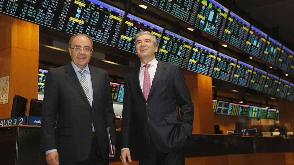 Foto:  El consejero delegado de Abertis y presidente de Cellnex Telecom, Francisco Reynés, junto al consejero delegado de Cellnex Telecom. (EFE)