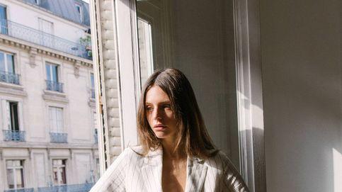 Este blazer de Bershka es ideal para añadir estilo a un look básico